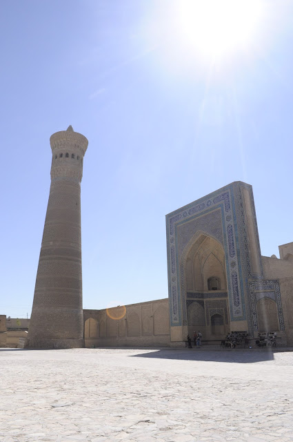 things to see and do in Bukhara Uzbekistan Kalyan minaret and mosque