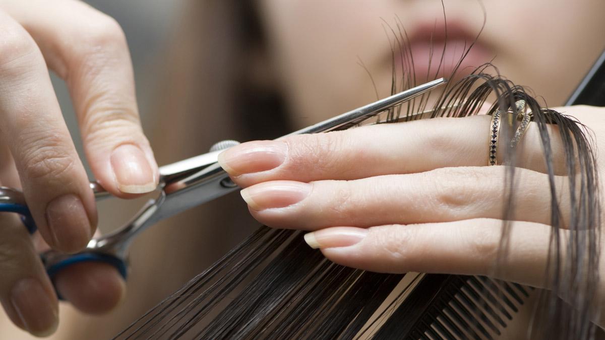 Terkadang hasil rambut smoothing sangatlah beresiko menyebabkan munculnya  rambut bercabang 2ec900b37c