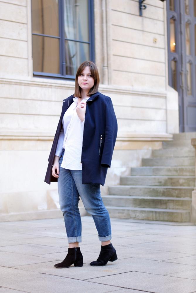 white blouse boyfriend jeans outfit