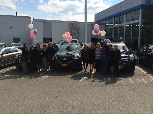 Mary Kay Team Picks Up New Chevy Equinoxs at Hoselton!