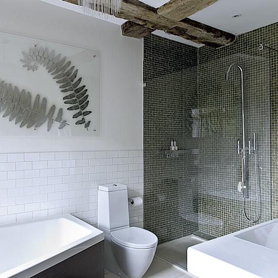 29 Gray And White Bathroom Tile Ideas And Pictures: OtthonSzerelem : Kis Fürdőszobák, Nagy Titkok