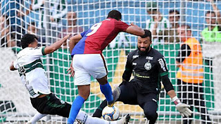 Coritiba vence o Paraná por 1 a 0 e pega o Londrina na semifinal