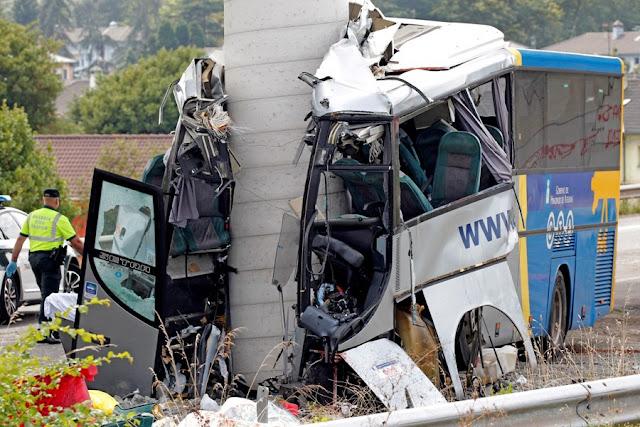 Πέντε νεκροί και 20 τραυματίες από πρόσκρουση λεωφορείου σε υποστύλωμα γέφυρας