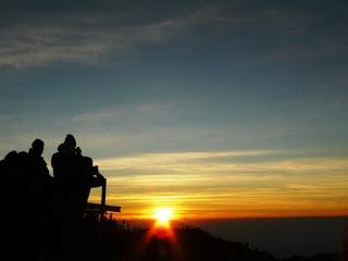 https://www.wisatagunungbromo.com/2013/06/bromo-sunrise-tour.html