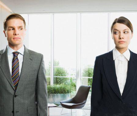 5 Cara Mengkritik Rekan Kerja