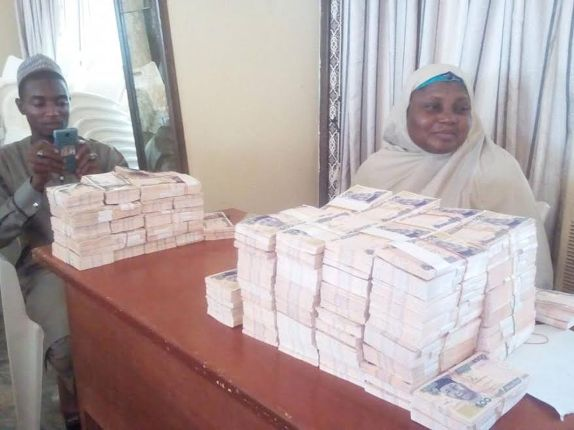 Photos: Sokoto State Governor Aminu Tambuwal releases N12m to buy cows for orphans