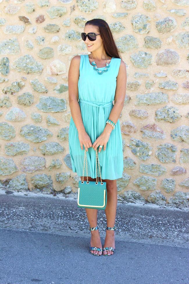haljina bez rukava u mint zelenoj boji od sifona