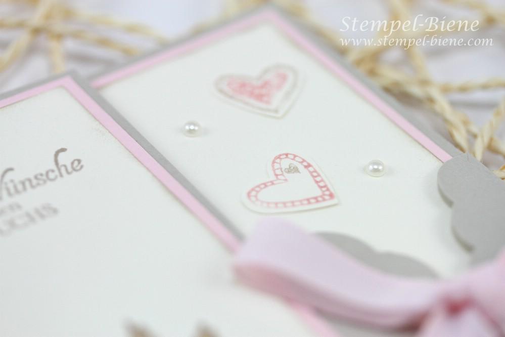 Stampin' Up Das schönste Geschenk, Language of Love, Babykarte zur Geburt basteln, Karte mit Stanze gewellter Anhänger, Stampin' Up Katalog 2014, Stampin' Up Stempelparty, Mädchenkarte, Stampin Up Workshop, Stempelparty buchen