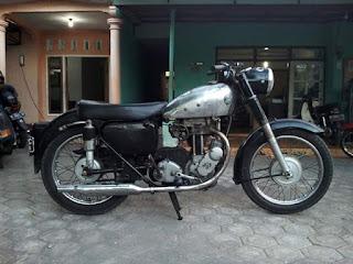 Bursa Motor Tua Jual AJS 1956