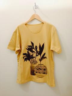 COSMICWONDER【コズミックワンダー】植物と土器のドローイングクルーネックTシャツ◆香川・綾川店