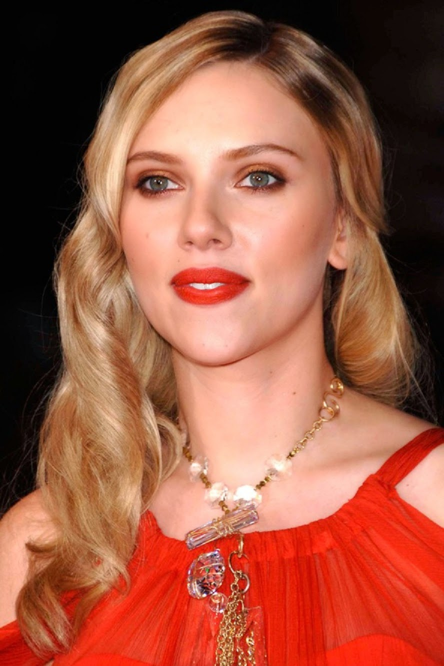 Scarlett Johansson Wallpaper: Scarlett Johansson HD Wallpaper