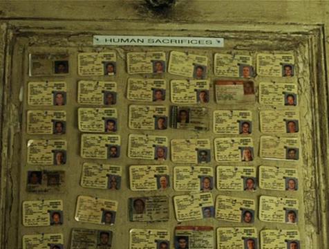 La colección de carnés de Tyler Durden en El club de la lucha - Cine de Escritor