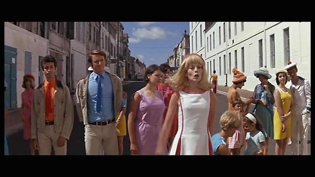 jean dorel regarde des films les demoiselles de rochefort jacques demy 1967. Black Bedroom Furniture Sets. Home Design Ideas