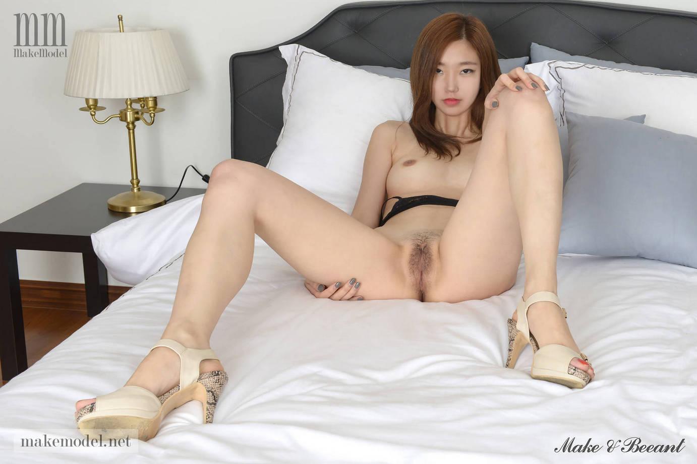 Model Hot Korea Nungging Sambil Pamer Memek - Payudara -9161
