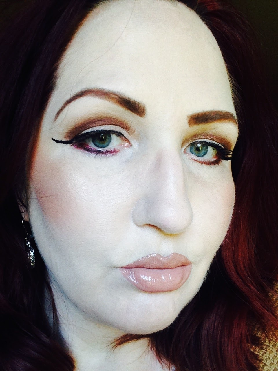 Beauty Junkie I E Caby Mac Eye Shadow: I Am THE Makeup Junkie: ABOUT ME
