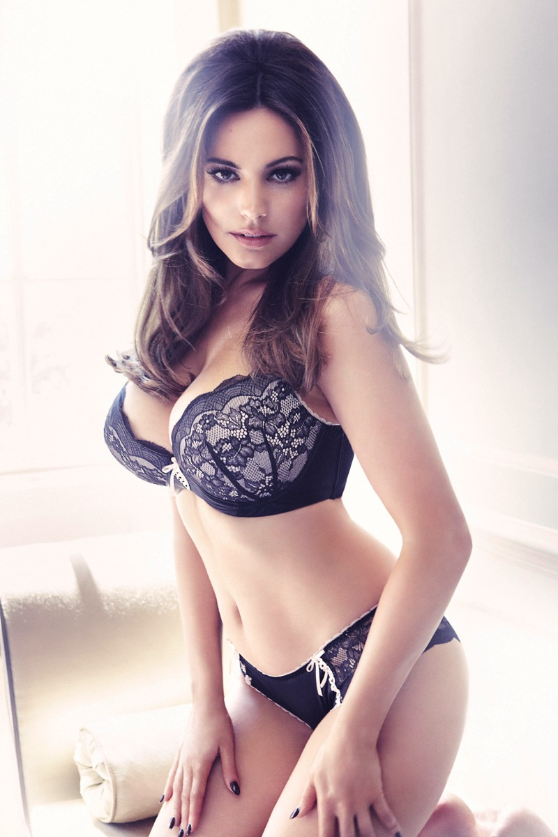 Gorgeous New Season Nail Art Ideas: Photo Shop: Kelly Brook Sexy Lingeries