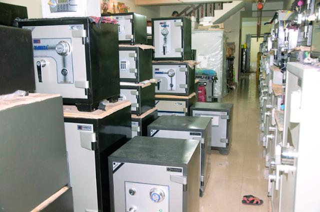 Các loại két sắt được bày bán ở hầu hết các địa chỉ.