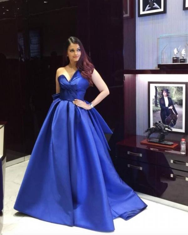 Aishwarya+Rai+Bachchan+stuns+us+in+royal+blue+gown+in+Dubai%21.jpg