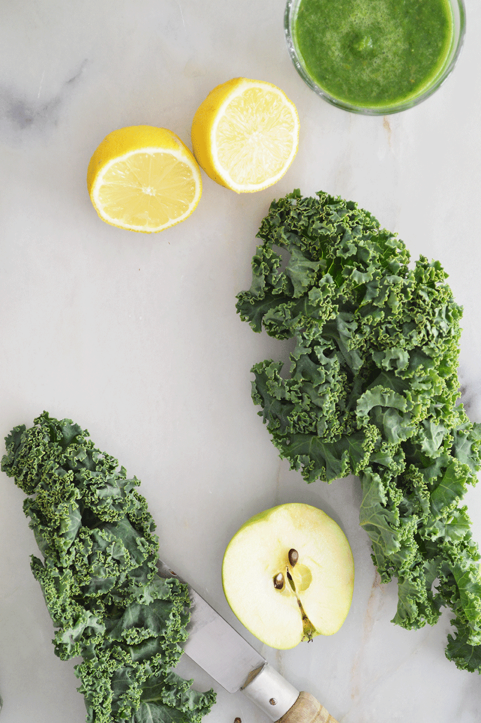 kale-apple-green-smoothie-recipe