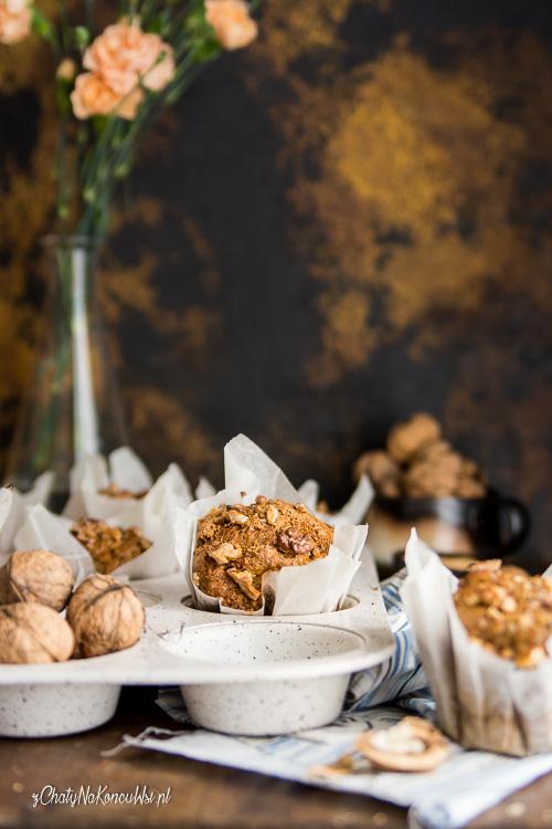Orzechowe muffinki a jabłkami