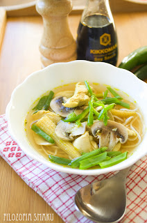 (Chińska zupa z kurczakiem
