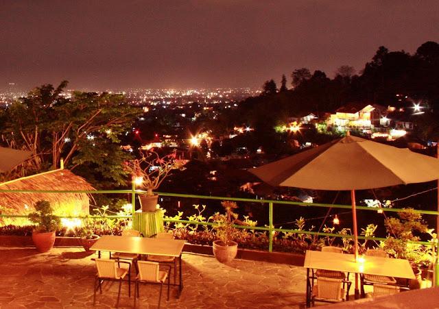 Hunting Tempat Makan Romantis di Bandung dengan Pemandangan Alam yang Indah