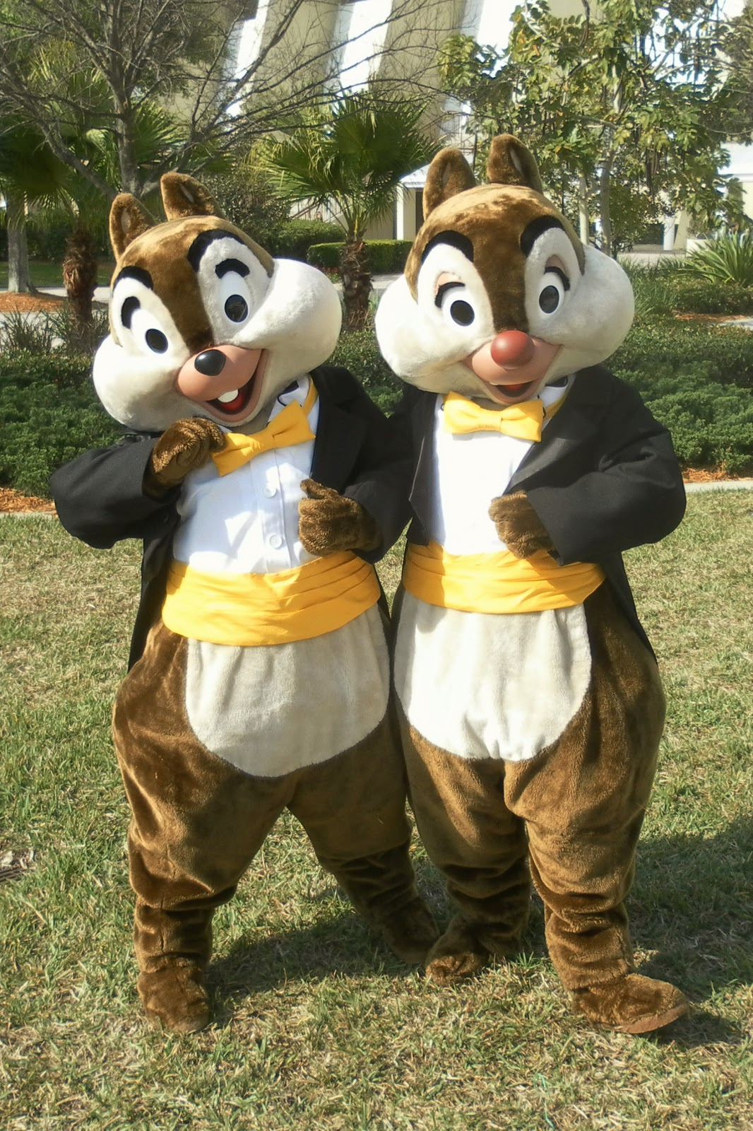 Unofficial Disney Character Hunting Guide: Easter Resort