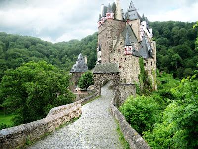Eltz Castle- Salika Travel - Europe Group Series 2018