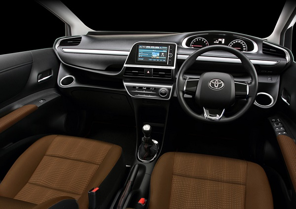 Kabin Toyota All New Sienta Tipe Q dan V Black Trim dan Dark Brown Seat