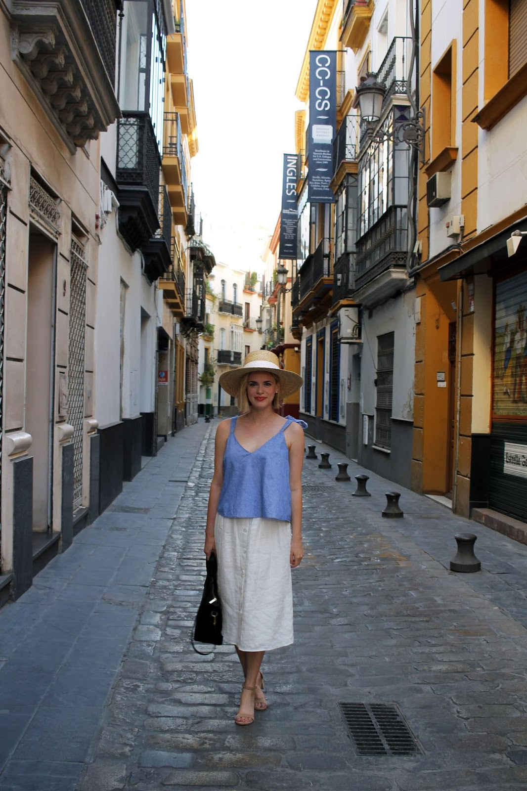zara linen skirt in seville spain