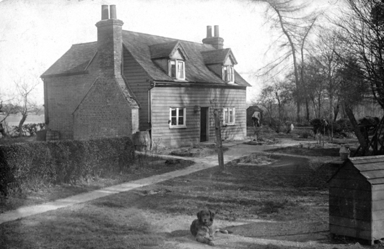 Photograph of Sheephead Hall off Bradmore Lane, home of Noah Smith, gamekeeper to Cotton-Curtis 1900 - Image from A. Nott / G. Knott