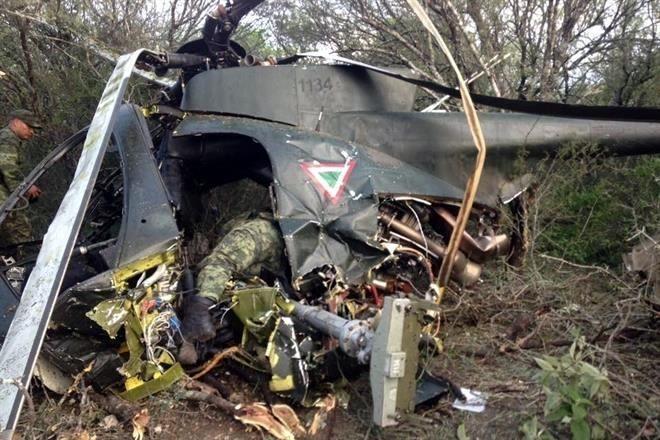 Fotografías Helicóptero militar desplomado y militares muertos en Tamaulipas