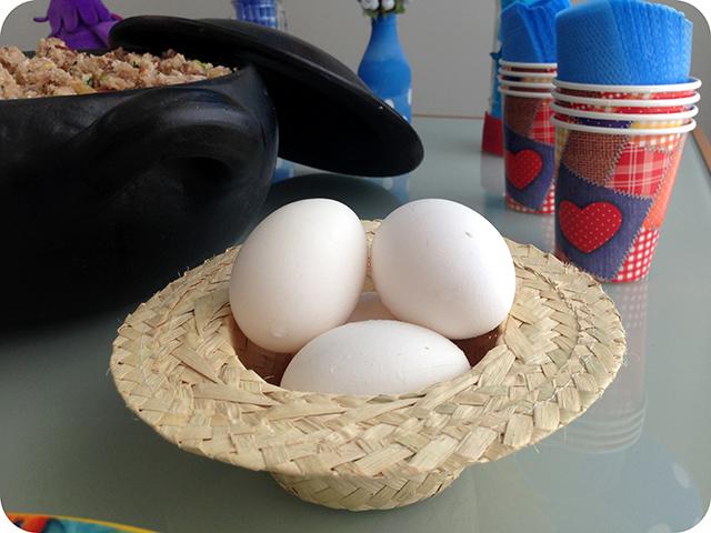 Festa com a Turma da Galinha Pintadinha : Chapéu de Palha e Ovos