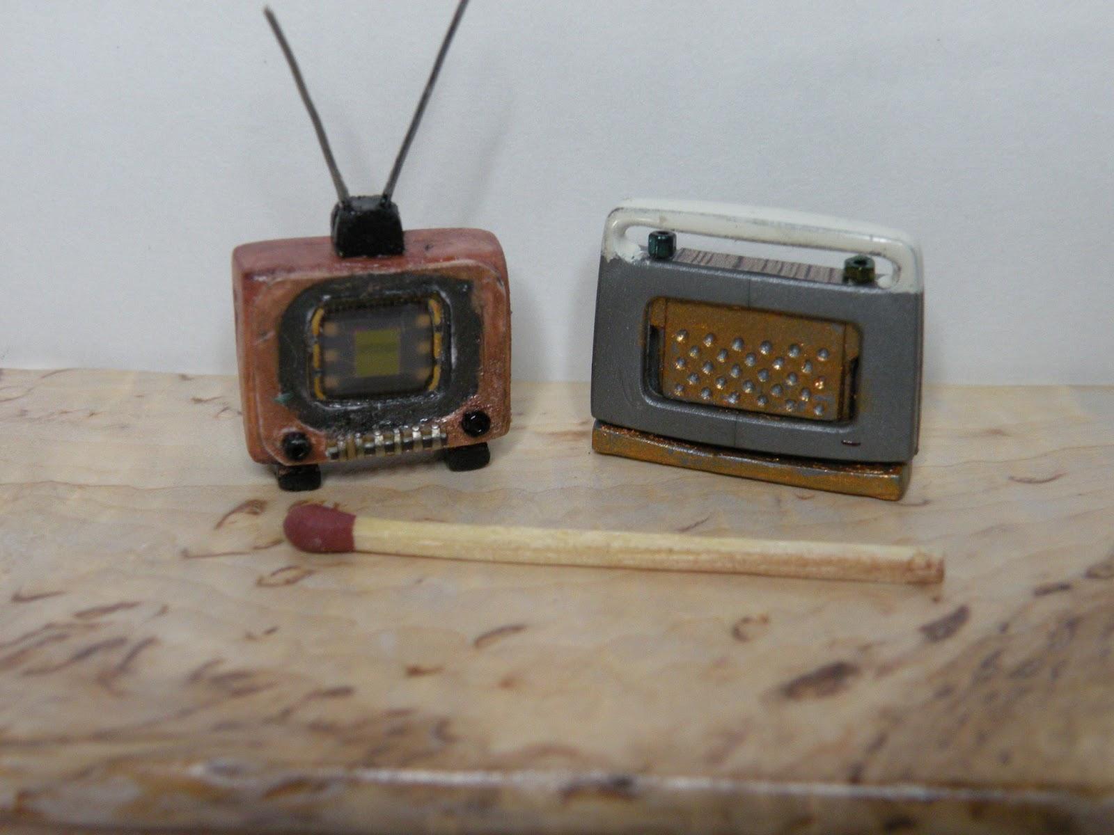 PIENI TALO, SUURI MAAILMA Pieni televisio ja radio