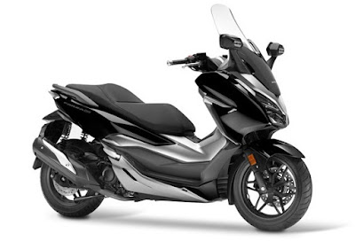 Honda Forza 300 2018 atau Forza 250 hitam metalik