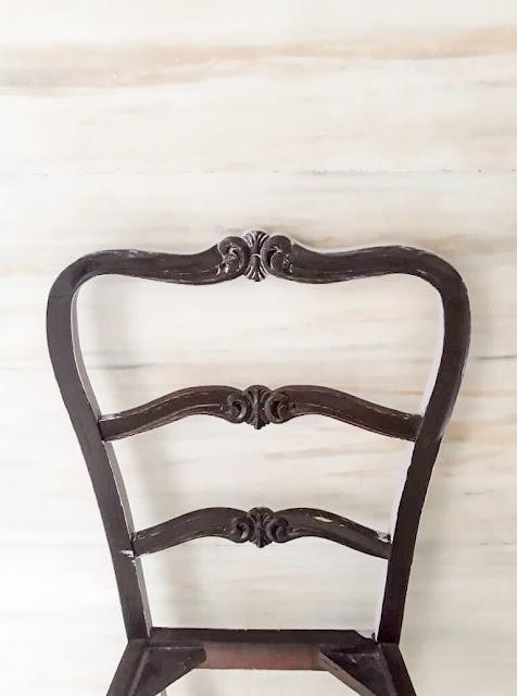 Επιχρύσωση καρέκλας με φύλλα χρυσού 2 Annie Sloan Greece