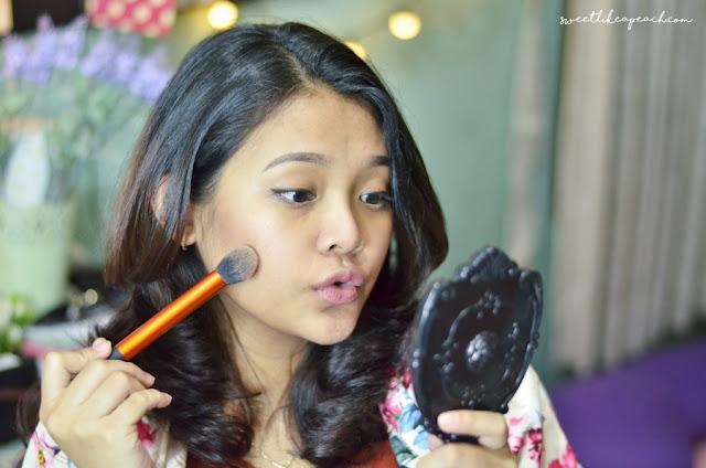 beauty hacks bikin makeup lebih awet dan tahan lama tanpa primer, tapi dengan bantuan es batu