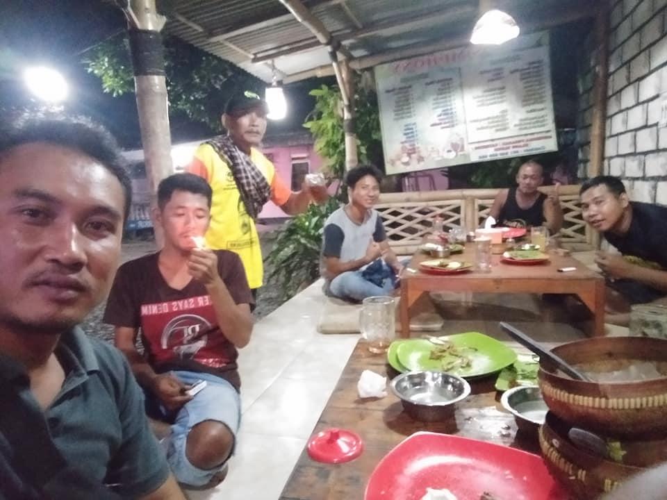 Foto Kepala Dusun Kampung Baru dan Pemuda PGB