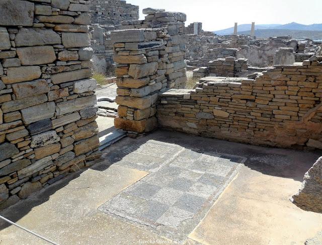 prostokątna mozaika z motywem szachownicy Delos Cyklady Grecja