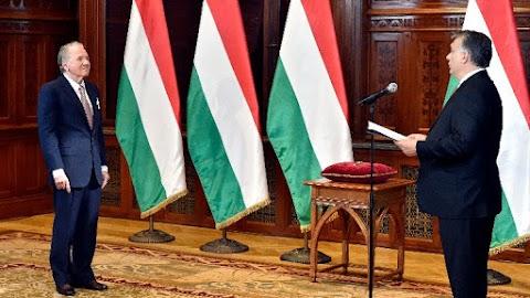 Orbán Viktor a Magyar Érdemrend Nagykeresztjét adta át Péterffy Tamásnak