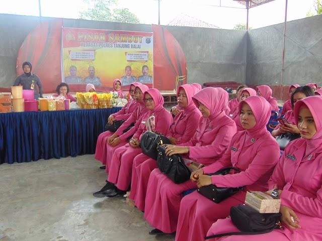 Wakil ketua Bhayangkari Cabang Tanjung Balai Pimpin Arisan Bhayangkari