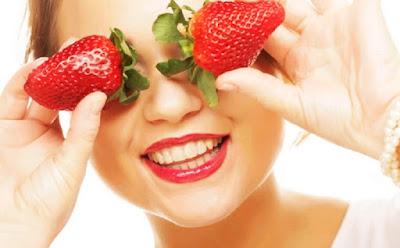 Tips Kulit Bersih Cantik Dan Bebas Jerawat Dengan Masker Strawberry