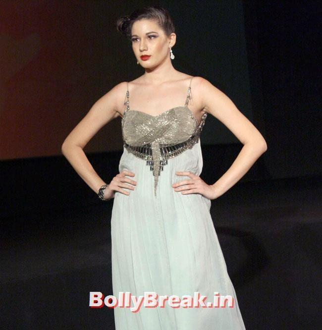 Khushali Kumar Fashion Show, Khushali Kumar Fashion Show - Ramp Walk of Hot Models