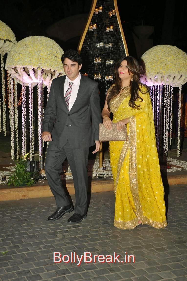 Urmila, Karishma Kapoor, Urmila Matondkar, Kriti Sanon, Sophie Choudry At Riddhi Malhotra Wedding Reception