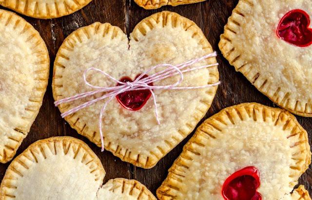 http://nerdymamma.com/easy-valentines-hand-pies/
