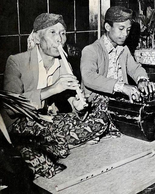 #Indonesia #West Java #Sunda #Sundanese music #Suling flute #Sulaeman #Kacapi #zither #traditional music #world music #vinyl #10 inch record