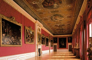 The Kings Gallery - Kensington Palace - www.All-About-London.com