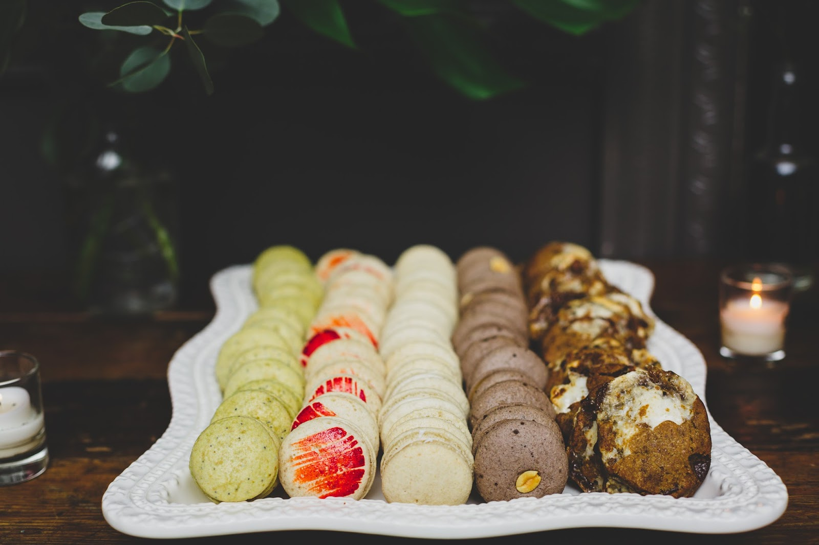 Sweet Maresa's vegan wedding macarons | Wedding Photography - blog.cassiecastellaw.com