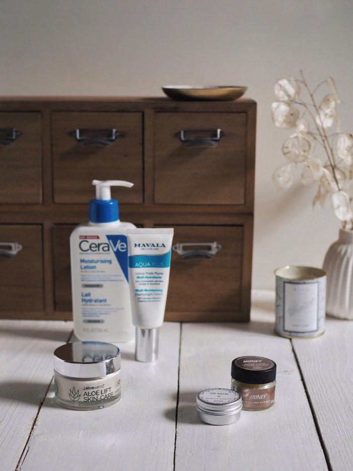 Revue de produits de beauté pour protéger sa peau du froid en hiver