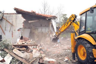 Απίστευτο περιστατικό στο Αγρίνιο – Κατεδάφισαν λάθος σπίτι